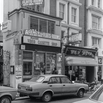 A Walk Around Kensington & Chelsea in 1987