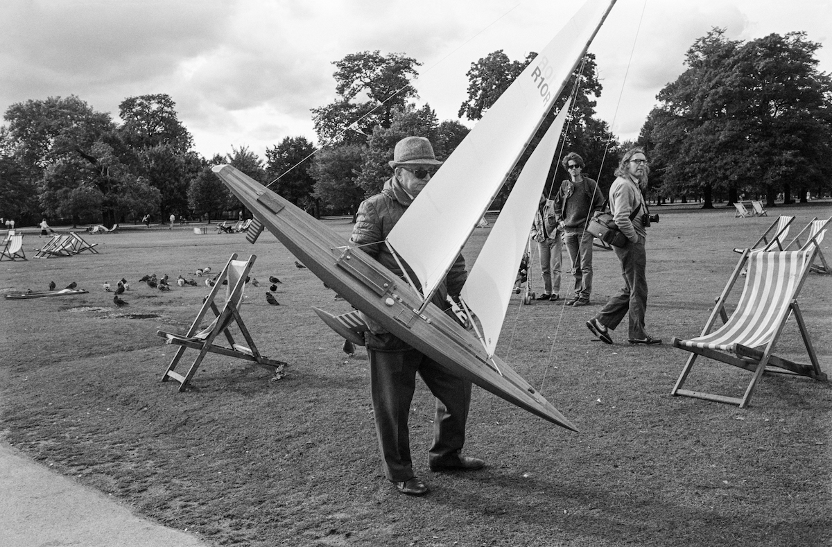 London Man with model yacht, Round Pond, Kensington Gardens, Kensington & Chelsea, 1987
