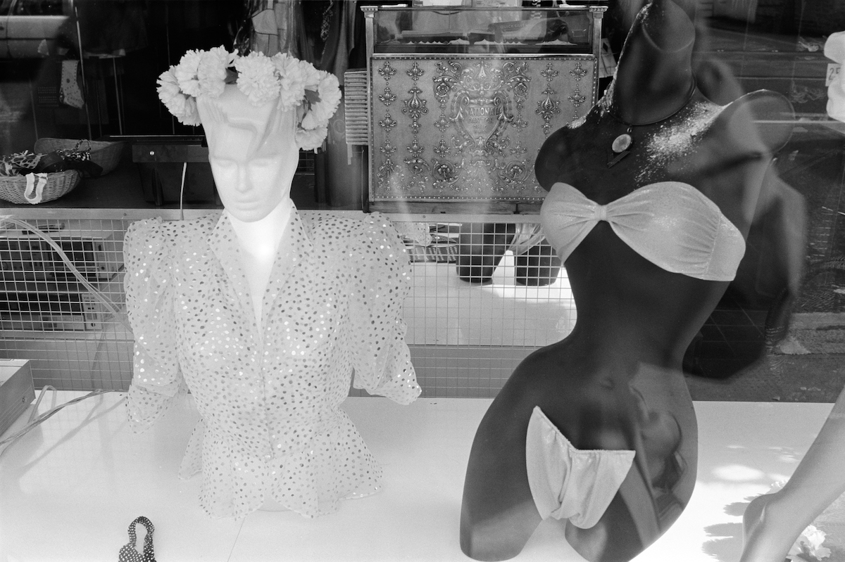 Shop window, Kings Rd, Chelsea, Kensington and Chelsea, 1988
