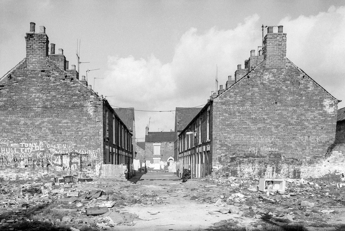 Terrace, West Dock Avenue area, Hull, 1981