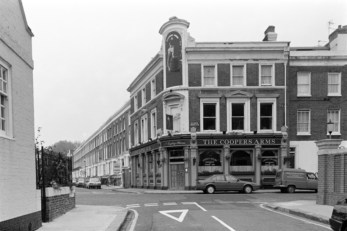 The Coopers Arms, pub, Flood St, Chelsea, Kensington & Chelsea, 1988