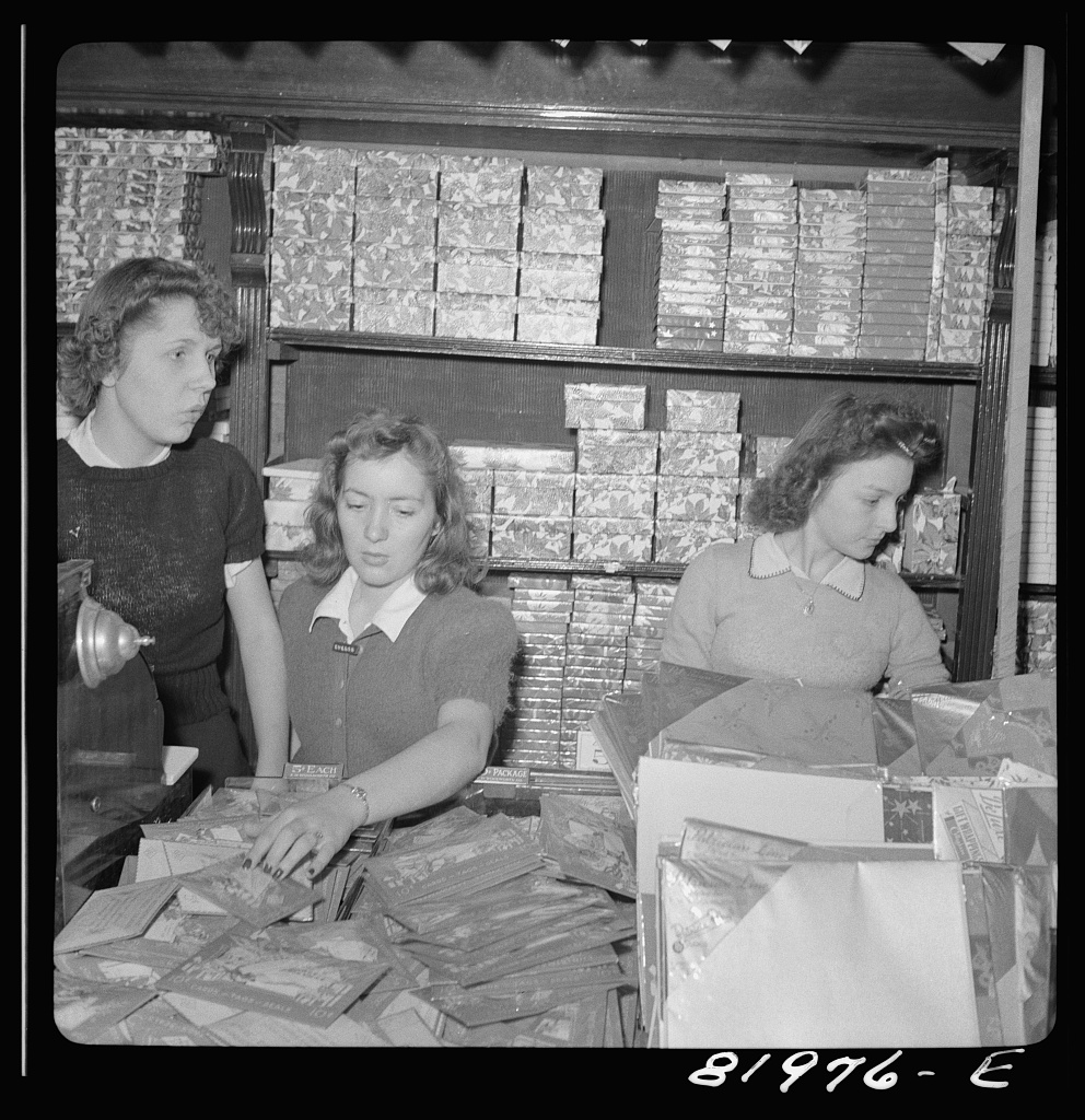 John Collier Washington, D.C. Christmas shopping in Woolworth's five and ten cent store] Contributor Names Collier, John, Jr., 1913-1992, photographer Created : Published 1941 Dec.
