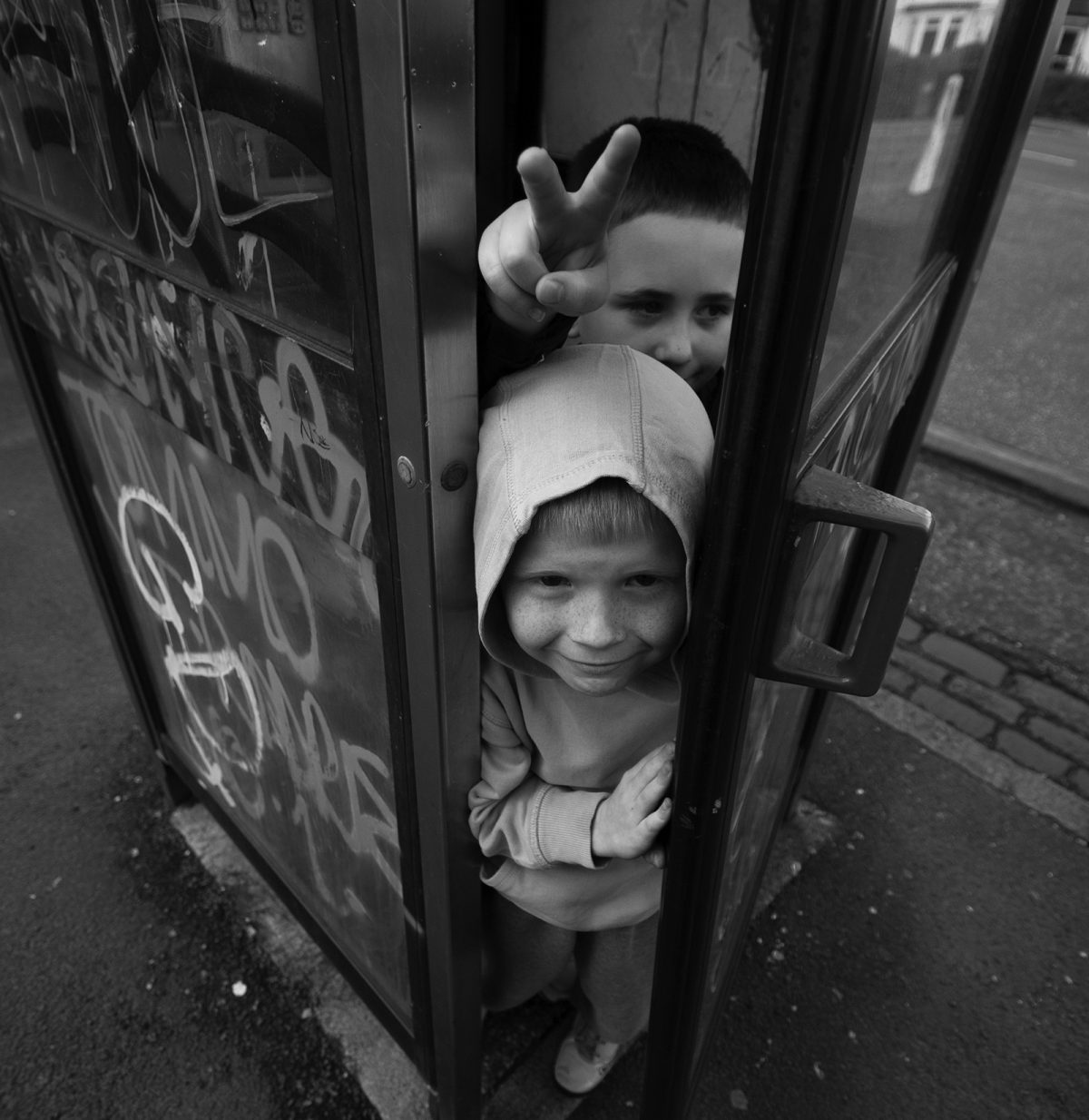 Brian Anderson, Glasgow, street photography, The Telephone Boys