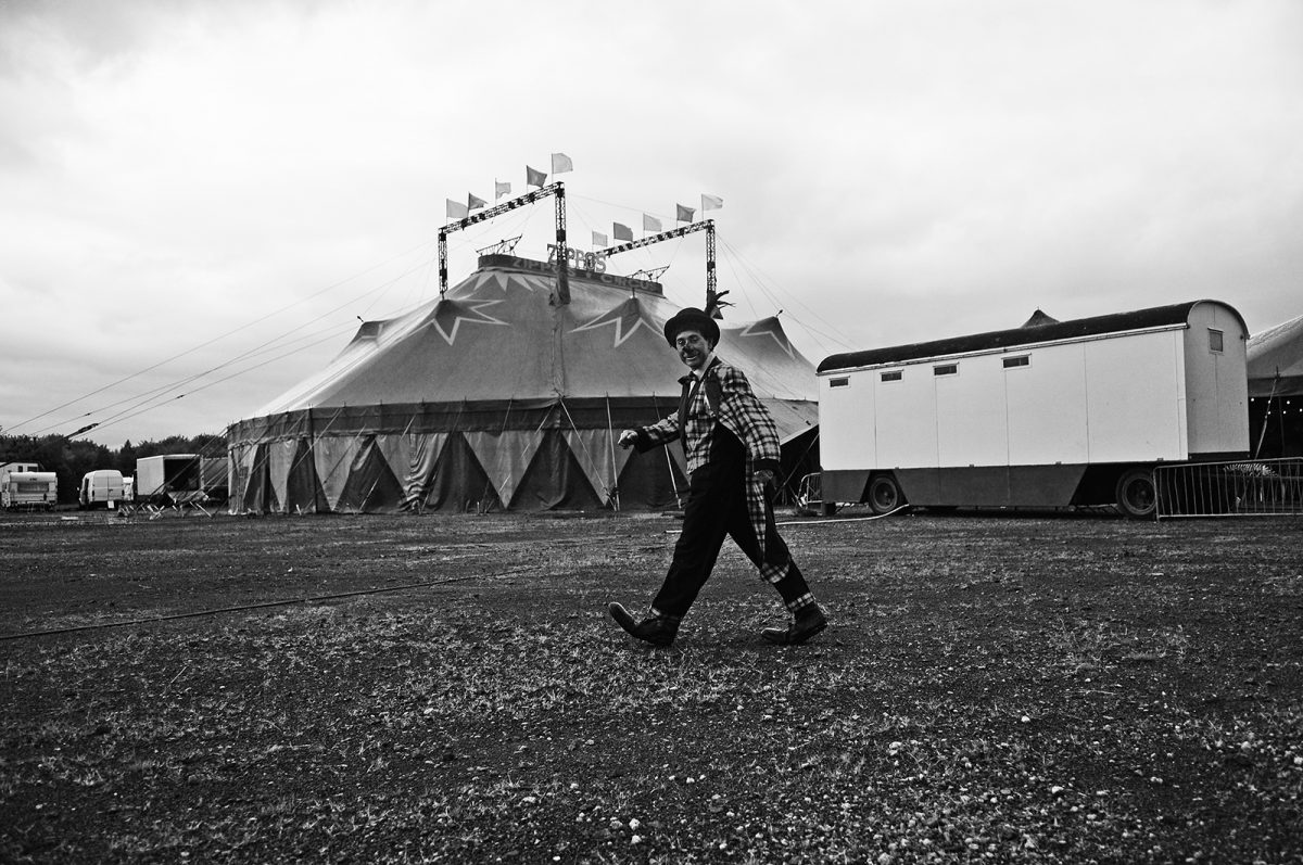Brian Anderson, Glasgow, street photography, Circus Comes To Glasgow