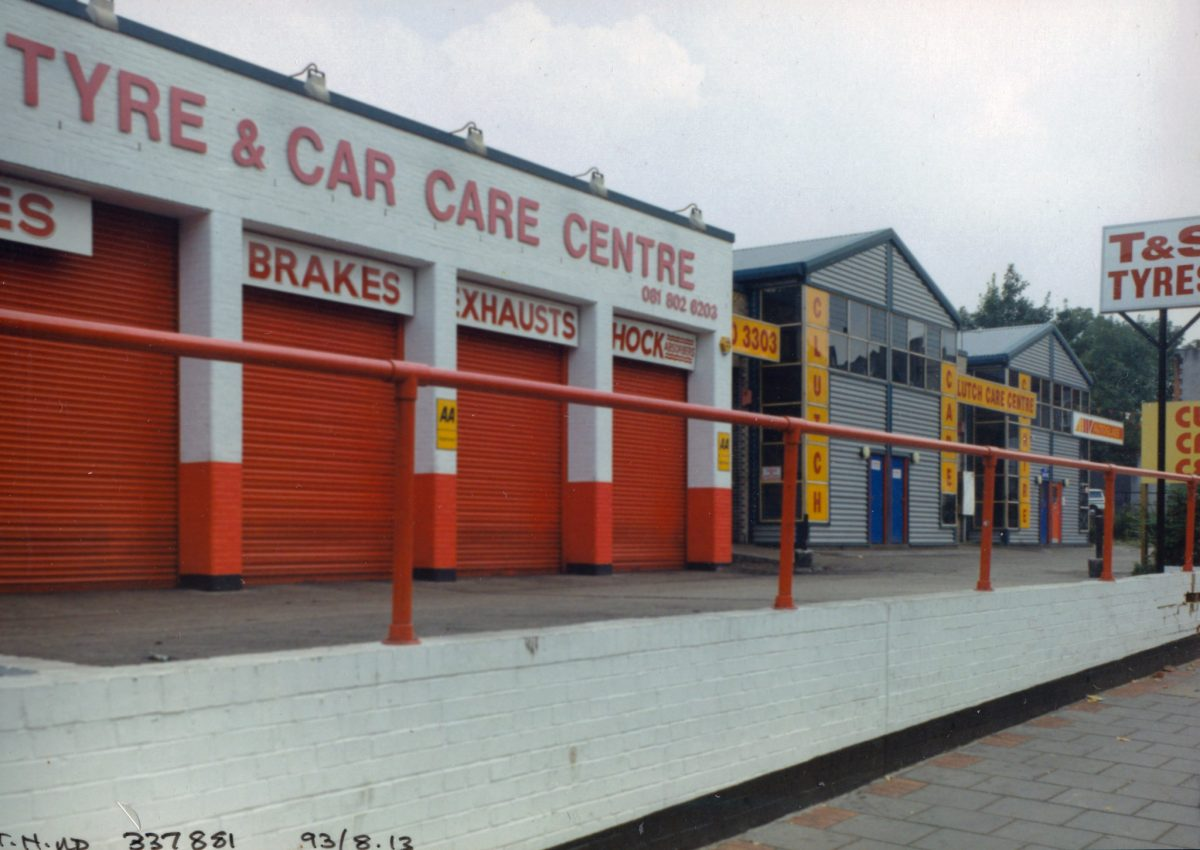 Garage, High Rd, South Tottenham, Haringey, 1993