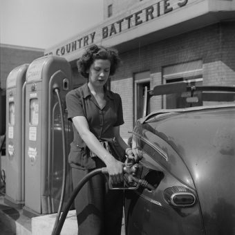 When Gas was 15c a gallon – US Filling Stations 1937-1942