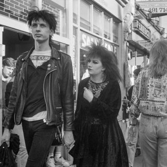 24 Photos of People on Camden High Street, London in 1990