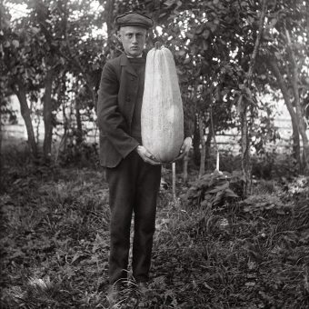 They See Us: John Alinder's Portraits of People of Sweden From 100 Years Ago