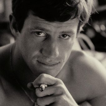 """A Collection of Wonderful Pictures of the """"Hypnotically Ugly"""" Jean-Paul Belmondo"""